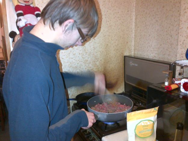 Cooking the mince for lasagna.