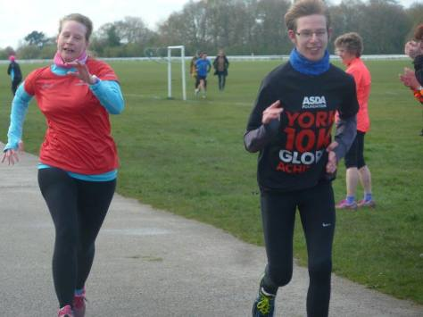 parkrun 16-04-16 - finish line sprint